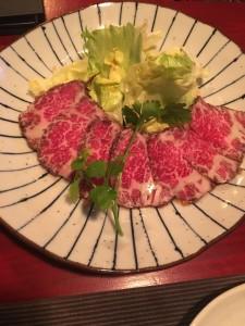 和牛のたたきサラダ